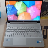 """Máy tính xách tay HP 15s-fq2561TU, Core i5-1135G7,8GB RAM,512GB SSD,Intel Graphics, 15.6""""HD, Wlan ac+BT,3cell, Win 10 Home 64, Silver, 1Y WTY_46M29PA"""