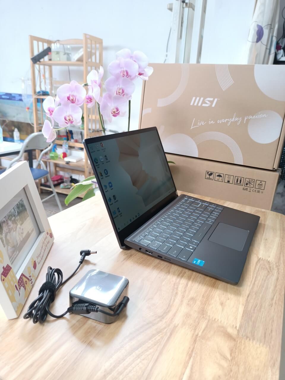 MSI Modern 14 B11MO-851VN : i3-1115G4   8GB RAM   256GB SSD   Intel UHD Graphics   14.0 FHD   Win 10   Gray